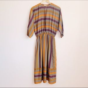 lightweight 80s batwing midi dress with pockets!